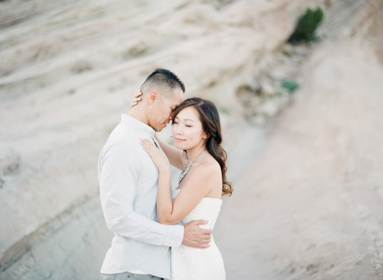 a-Vasquez-Rocks-engagement-session_11