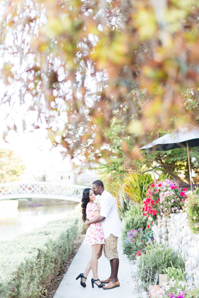 a-venice-canals-engagement-session_03