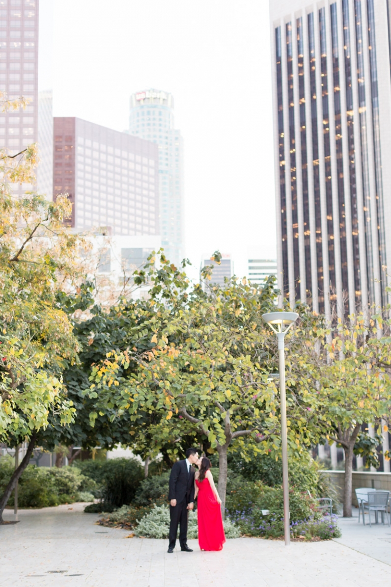 a-downtown-los-angeles-engagement-session_03