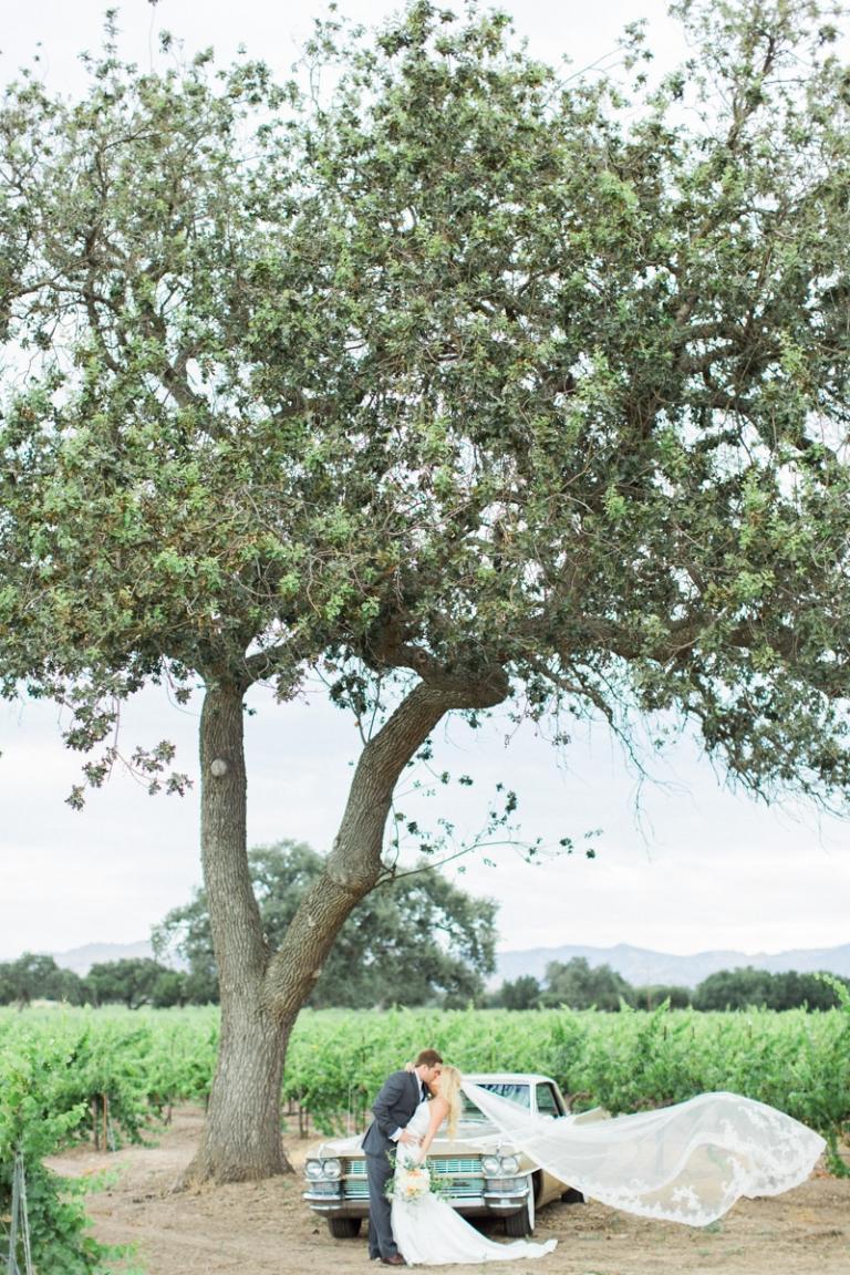 a-firestone-vineyard-wedding_01