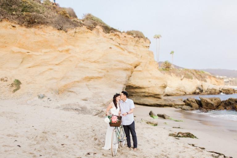 d-romantic-laguna-beach-engagement-photos_08