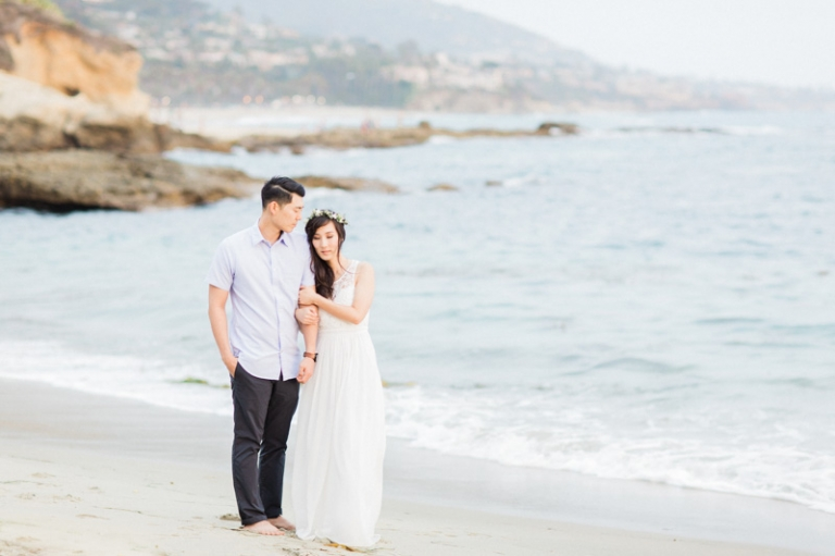e-romantic-laguna-beach-engagement-photos_04
