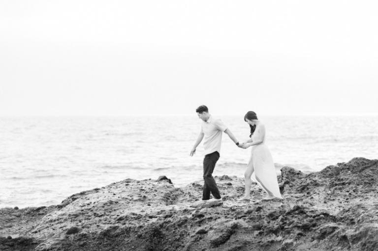 e-romantic-laguna-beach-engagement-photos_09