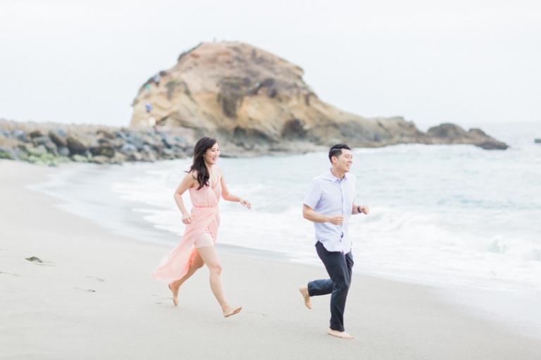 f-romantic-laguna-beach-engagement-photos_05