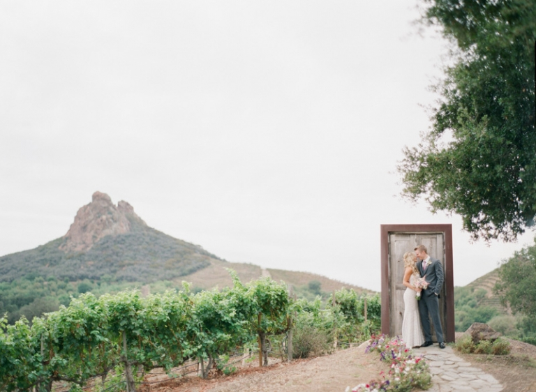 a-saddle-rock-ranch-wedding_02