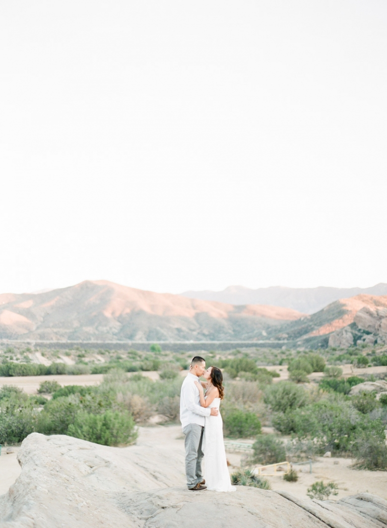 a-Vasquez-Rocks-engagement-session_01